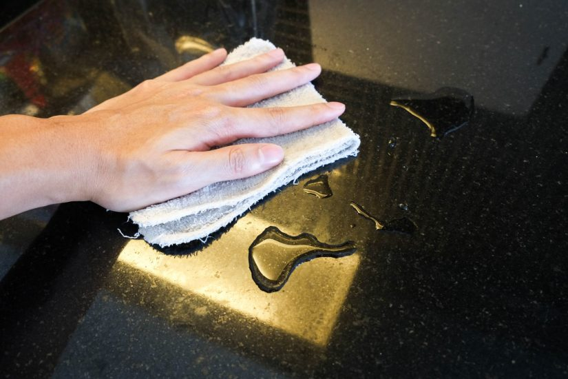 cleaning granite countertops