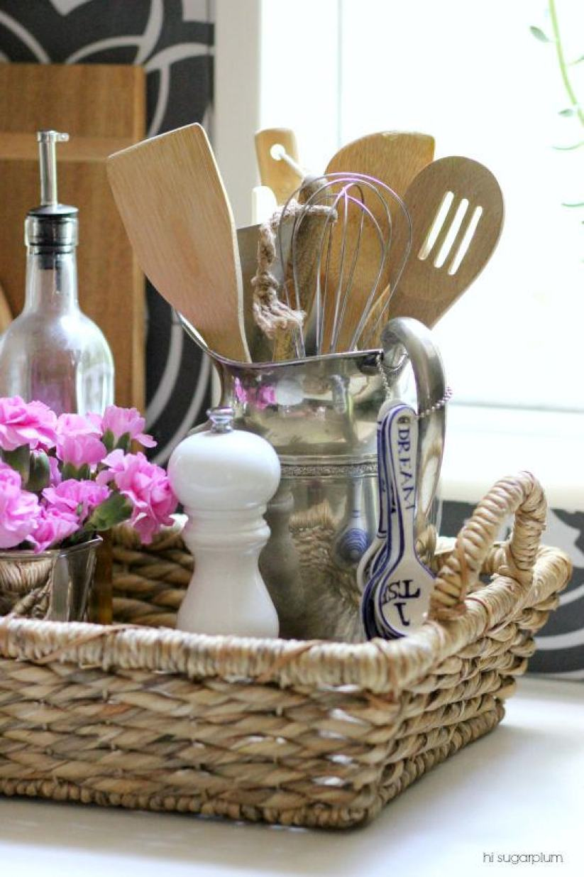 how to accessorize a kitchen counter