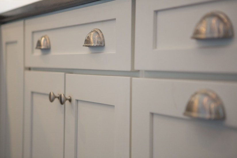 knobs and pulls for cabinets