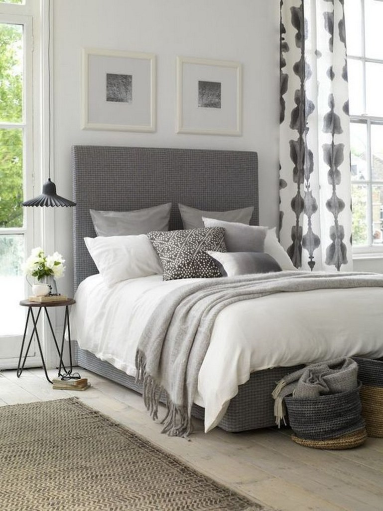 40+ Gorgeous Small Master Bedroom Ideas In 2021 [Decor Inspirations]