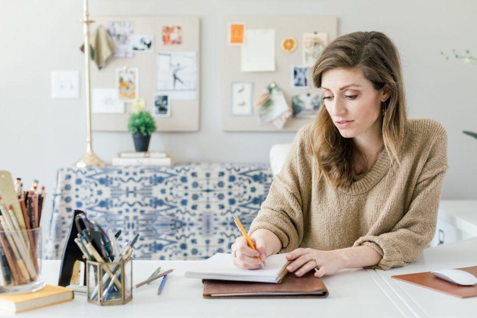 5 Email Metrics You NEED to Track-ashlyn writes blog