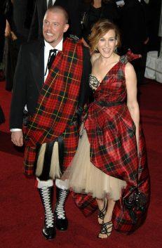 Sarah-Jessica-Parker-Alexander-McQueen-Met-Gala-2006