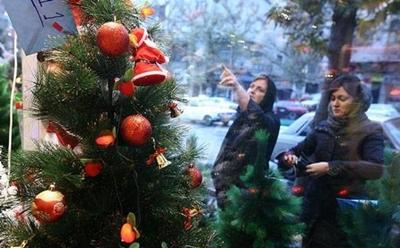 """اکثر خریداران """"درخت کریسمس"""" در ایران مسلمانان هستند!"""