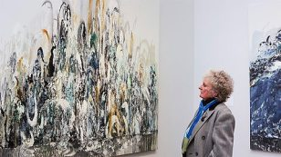 Maggi Hambling, Walls of Water | Photograph courtesy of National Gallery