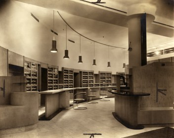The outfitting department at Simpson (Piccadilly) Ltd., 1936. Joseph Emberton Archive, University of Brighton Design Archives.