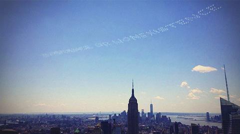 David Birkin, Existence or Nonexistence (2014), skywriting over New York