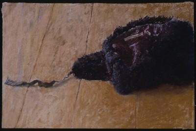 Fur-hat, 2002, pastel on Ruscombe laid paper, 34 x 61 cm.