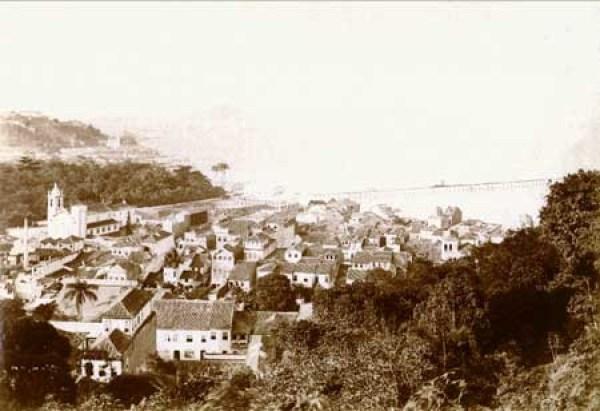 The Passeio Público (centre) and surroundings, c. 1893/4, photographed by Juan Gutierrez
