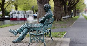Statue of Patrick Kavanagh by the Grand Canal in Dublin.