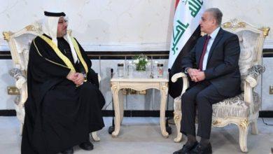 Photo of وزير الخارجية يلتقي السفير البحريني في بغداد
