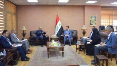 Photo of وزير التخطيط يبحث جهود إعادة الاستقرار والإعمار في المناطق المحررة مع رئيس صندوق إعادة الأعمار