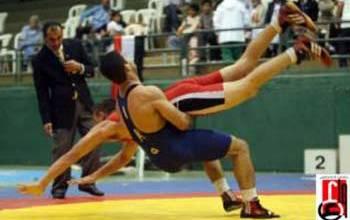 Photo of العبيدي يؤكد دعمه لإقامة بطولة العرب بالمصارعة في بغداد