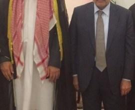 Photo of الشيخ الفايز يلتقي رئيس الوزراء ويؤكد: التظاهرات ليست عشائرية وزمن الوعود إنتهى
