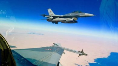Photo of خلية الإعلام  الأمني : طائرات 16 F تستهدف كهوفاً لعصابات داعش في جبال حمرين