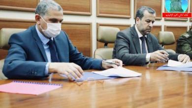 Photo of وزارة الداخلية ومفوضية الانتخابات توقعان اتفاقا بشأن الاستحقاق الانتخابي القادم