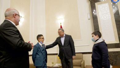 Photo of رئيس مجلس الوزراء السيد مصطفى الكاظمي يستقبل طفلين عراقيين موهوبين حققا منجزًا عالميًا