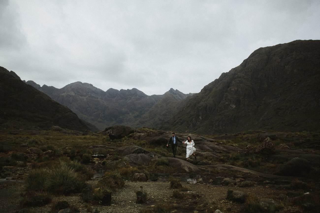Adventurous wedding couple on Isle of Skye