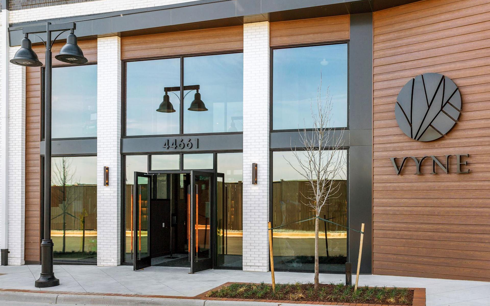 Vyne One Loudoun building entrance