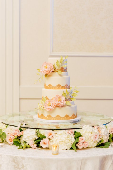 floating-cake-table-floral