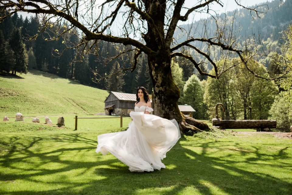 Destination elopement in the French Alps.