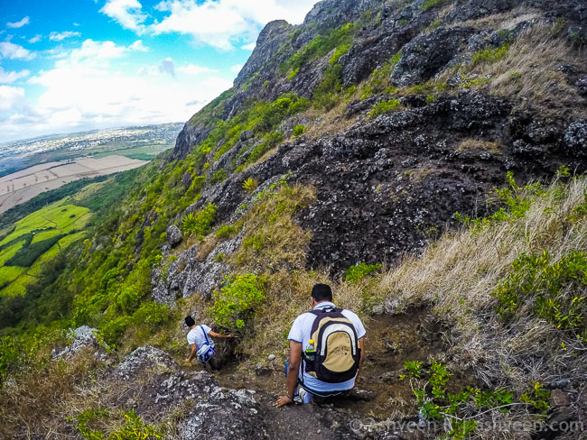 Hiking Trois Mamelles - Climbing Down