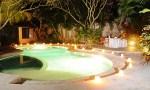 baliana-villa-swimmingpool-night