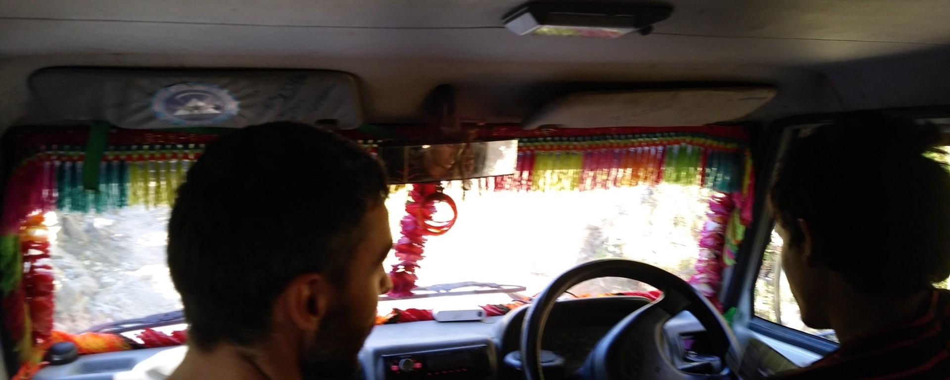 Descendiendo en jeep hacía Pokhara