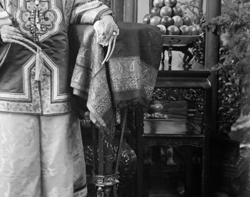 Cixi's gold filigreed fingernail covers