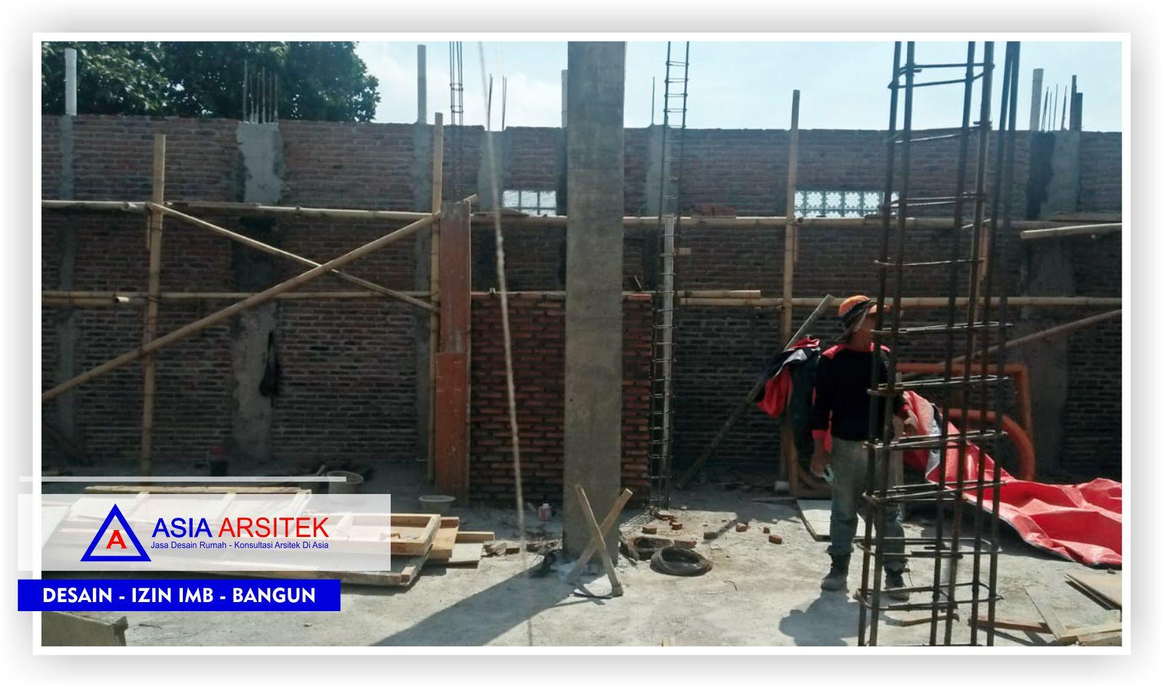 Proses-pengerjaan-kontruksi-di-lantai-2-rumah-klasik-bu-Elisa