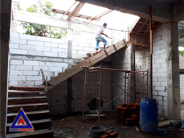 Proses Pembuatan Tangga Jasa Desain Rumah Klasik/Classic Mewah Pak Wagiyanto Di Yogyakarta