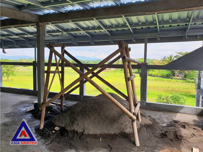 Proses Pemasangan Atap Jasa Desain Rumah Klasik/Classic Mewah Pak Wagiyanto Di Yogyakarta