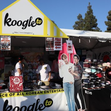 Many entertainment media like Koogle TV and clothing brands like KORE that attended LAKF.