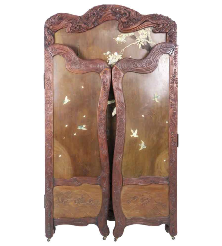 - Superbly Carved Antique Japanese 3 Panel Folding Screen