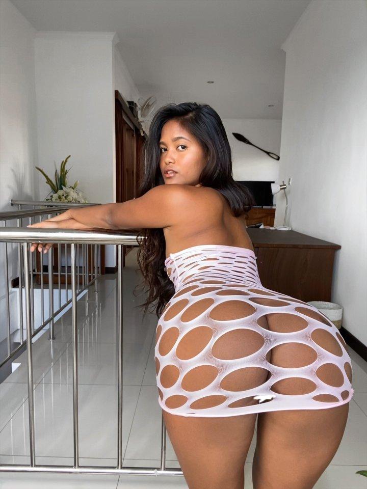Maeurn big ass