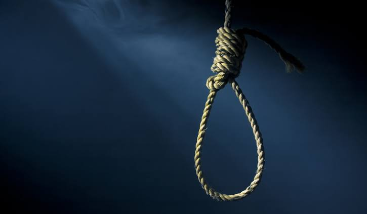 Police Constable Hangs Self To Death In Shalimar