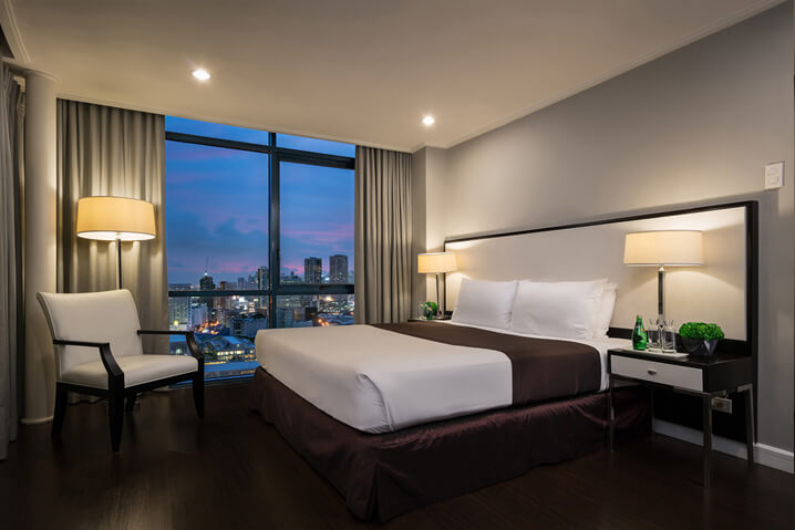 Astoria Plaza 1 Bedroom Bed