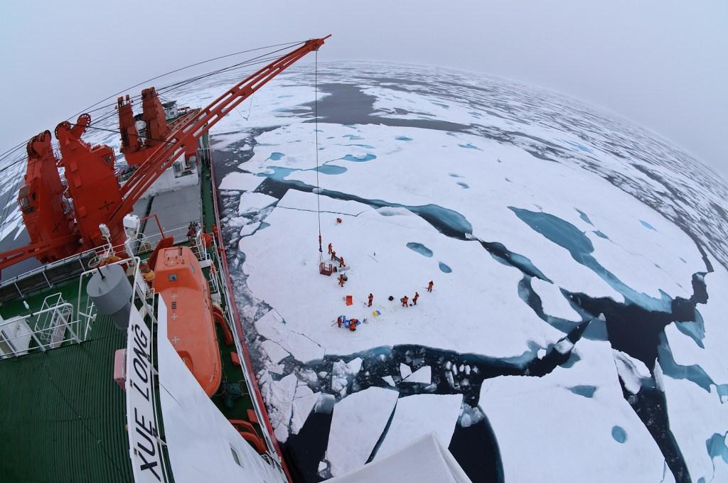 Chinese icebreaker Xue Long (WikiCommons)