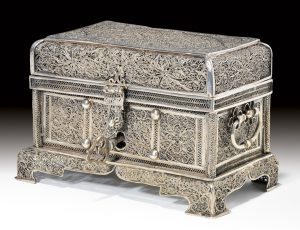 Silver filigree casket; early Kangxi (c 1660) (Muwen tang collection)