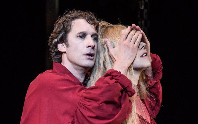 Jacques Imbrailo and Jurgita Adamonyté as Pelléas and Mélisande