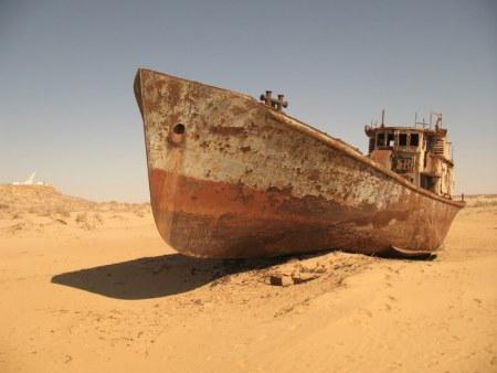 A stranded ship in Kazakhstan (via Wikimedia Commons)