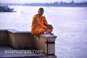 カンボジア プノンペン・王宮前夕涼み