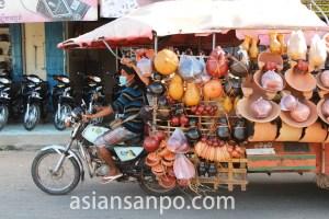 カンボジア 物売り