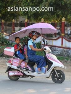 ミャンマー カチン州ミッチーナの電動バイク
