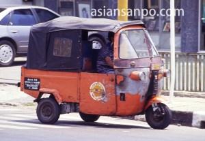 インドネシア ジャカルタの三輪車