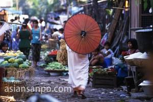 ミャンマー ヤンゴン・尼僧