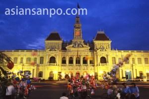 ベトナム ホーチミン・人民委員会夜景