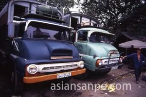 ベトナム ホーチミンのトラック