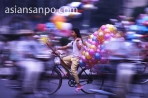 ベトナム ホーチミン・風船少女