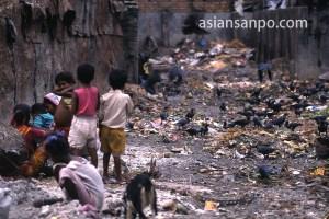 インド コルカタ ゴミ