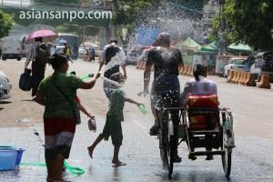 ミャンマー ヤンゴン・サイカー